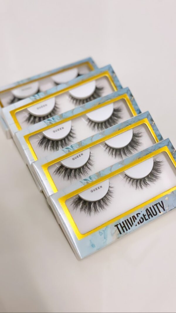 Queen Lashes by Thiva Beauty